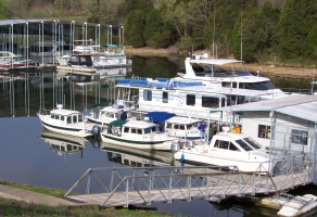 Defeated Creek Marina and Resort